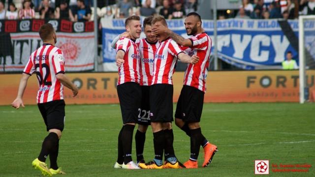 Cracovia, piłkarze, radość po golu