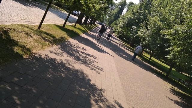 Droga prowadząca na stadion Miedzi